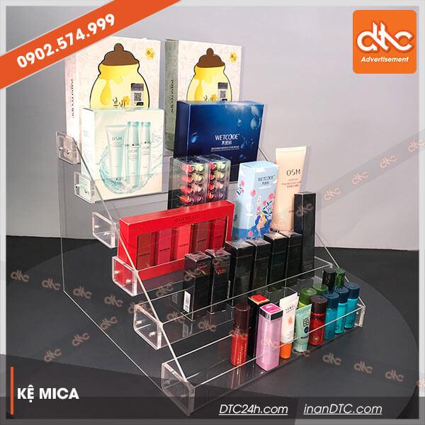 Kệ mica trưng bày mỹ phẩm nhiều tầng