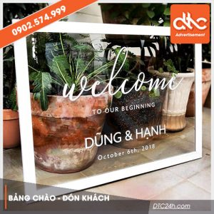 bảng chào welcome mica trong suốt