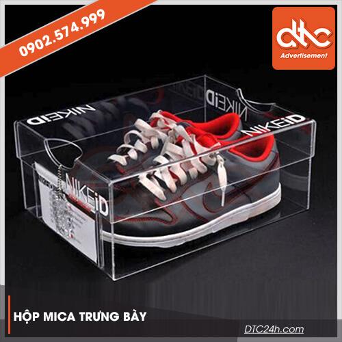 hộp mica trưng giày dép