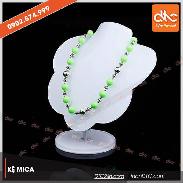 Kệ mica trưng bày dây chuyền 1