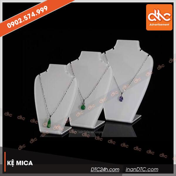 Kệ mica trưng bày dây chuyền chữ L