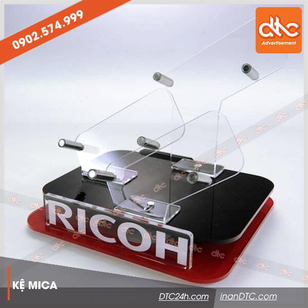 kệ mica trưng bày tai phone loa 7